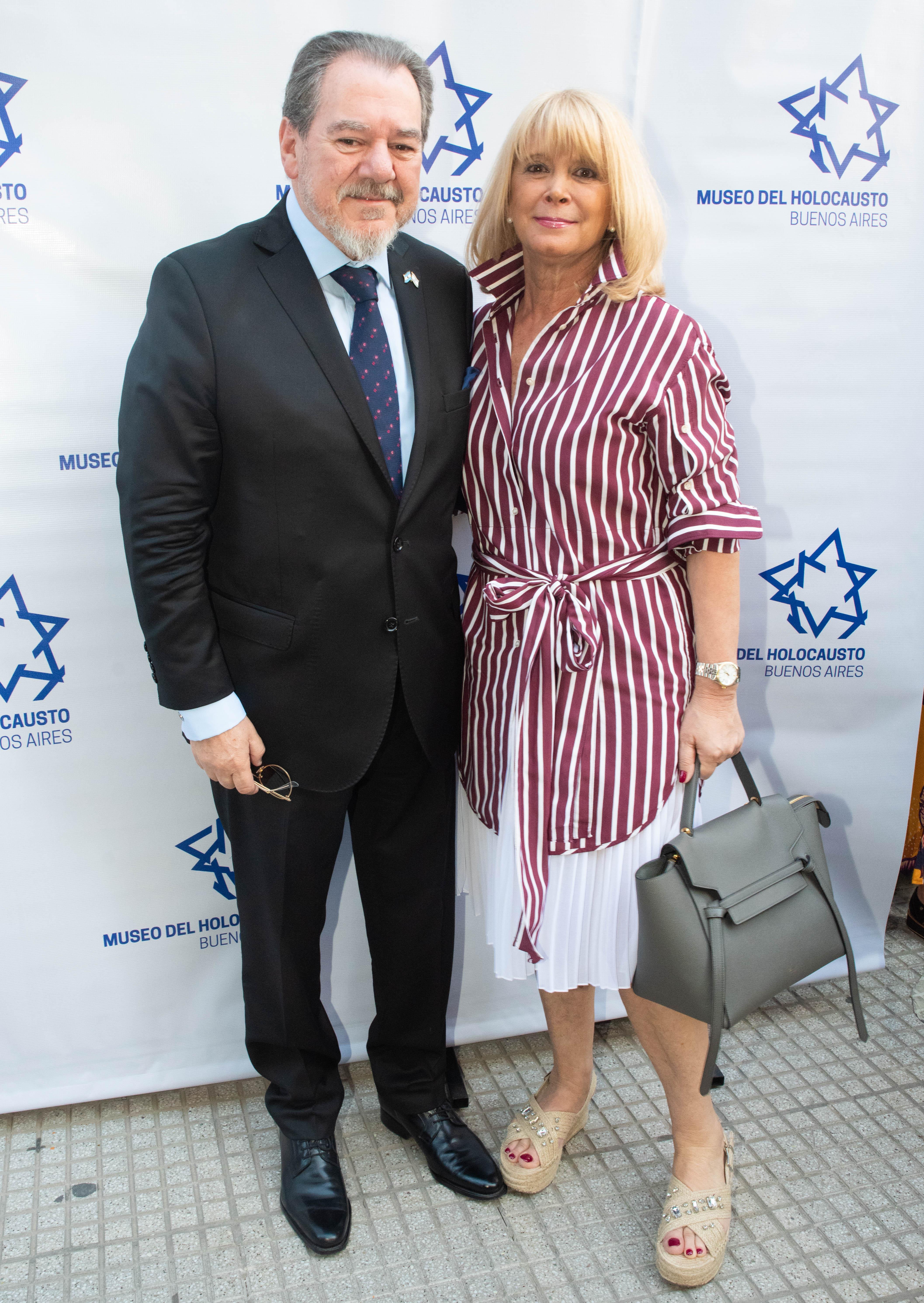El presidente de la Cámara Empresarial Argentina Israelí, Mario Montoto y Claudia Spinelli