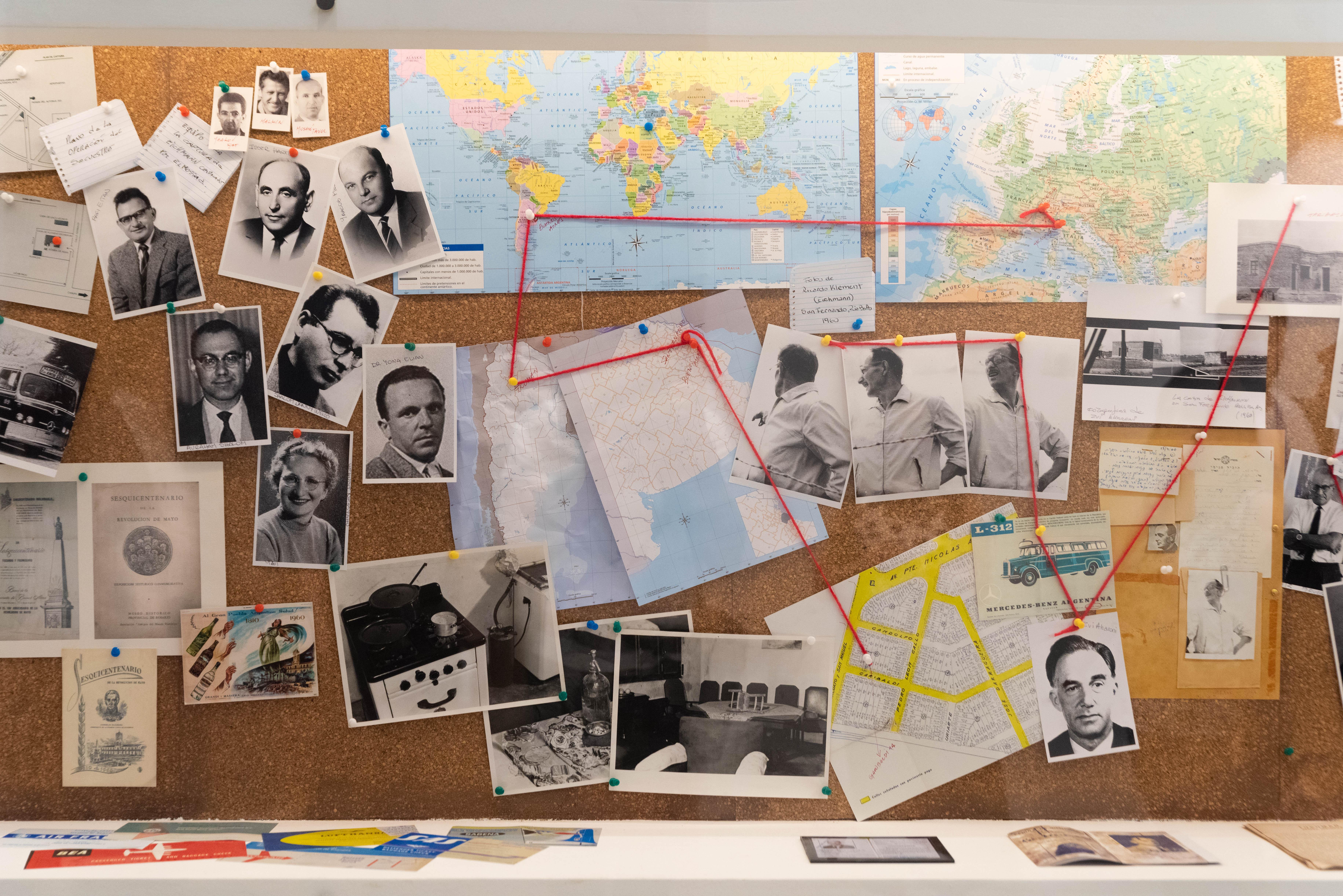 Adolf Eichmann, funcionario de las SS con un rol trascendental en la deportación y exterminio de los judíos europeos, huyó clandestinamente a la Argentina con el nombre de Ricardo Klement. Ingresó con un salvoconducto de la Cruz Roja: ese documento original es una de las piezas más valoradas del Museo. Vivió en Tucumán y en Buenos Aires. Fue capturado el 11 de mayo de 1960 en San Fernando por agentes del Mosad, el servicio de inteligencia israelí