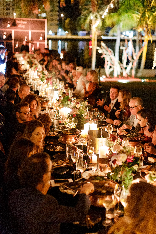 La espectacular ambientación de la ultra exclusiva cena, que se llevó a cabo en el Faena Hotel Miami Beach