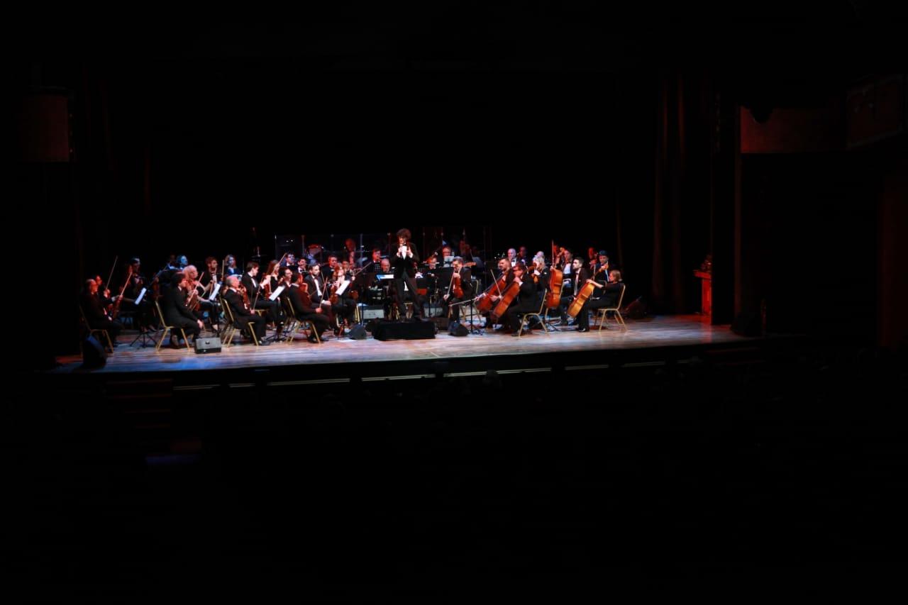 La Orquesta Buenos Aires Sinfónica estuvo dirigida por el maestro Damián Mahler