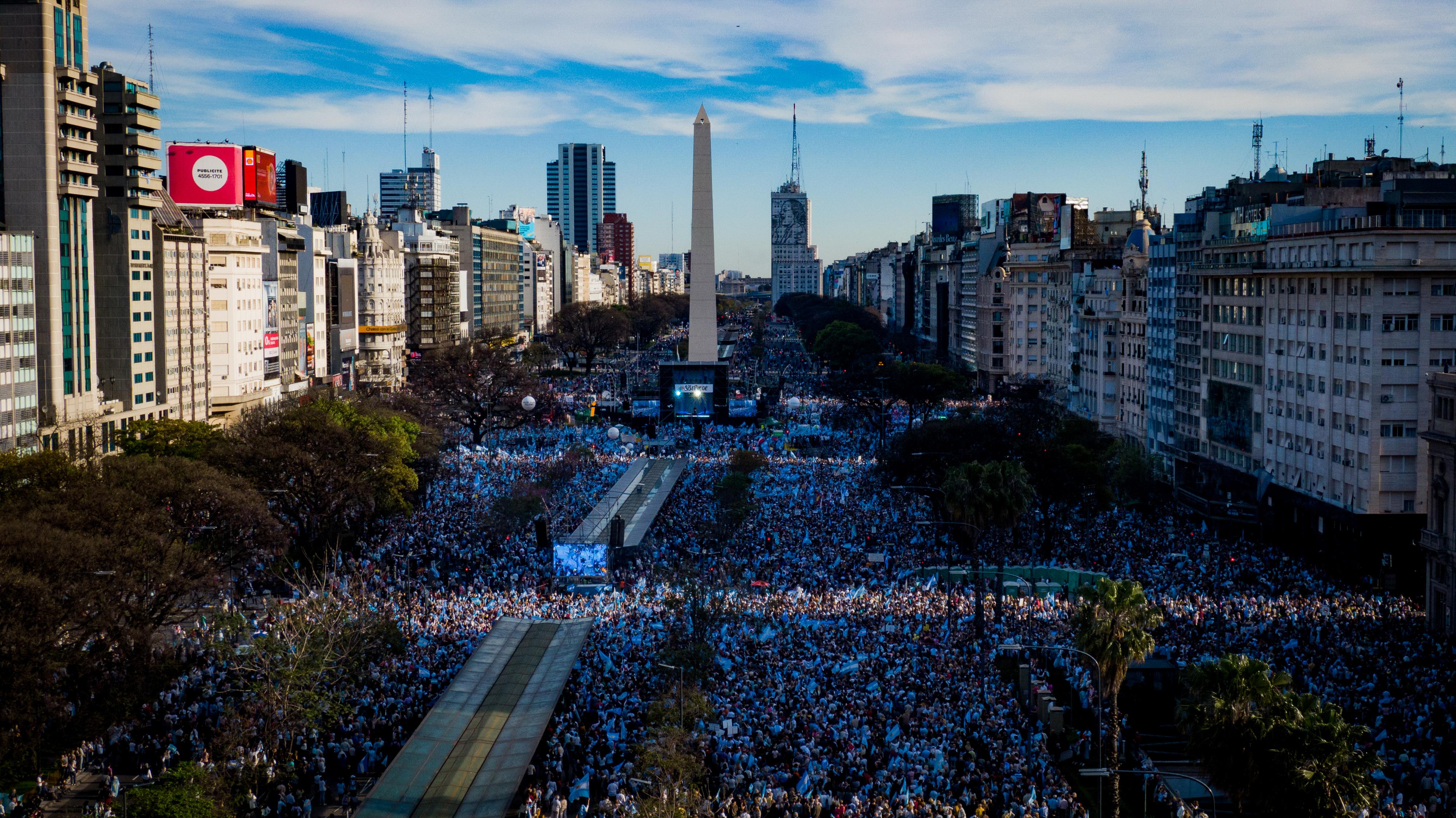 La multitud ocupó varias cuadras de la avenida 9 de Julio frente al Obelisco