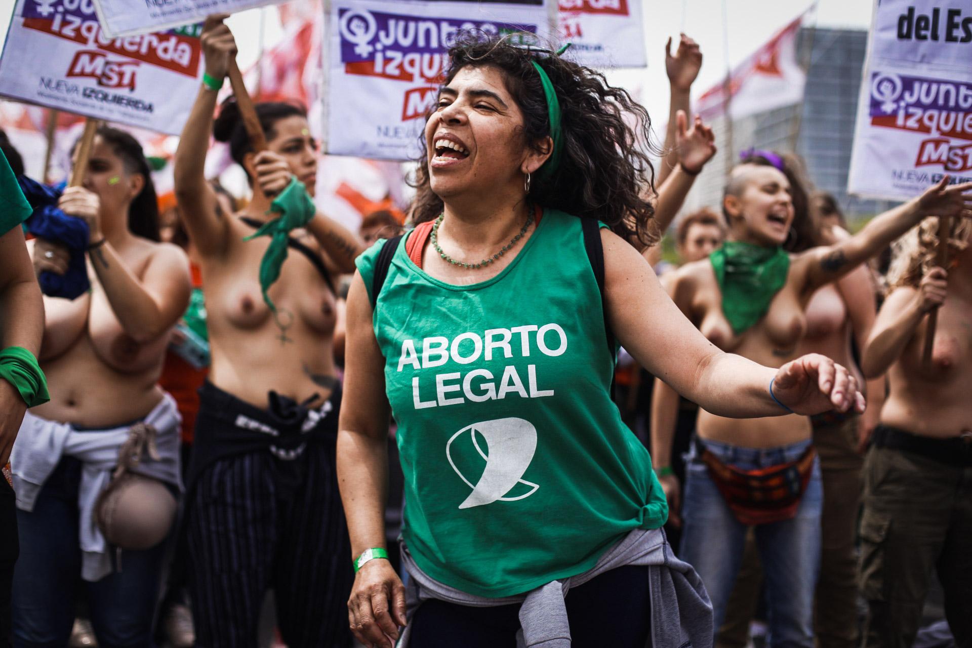 Una multitud de mujeres y disidencias de todas las provincias participaron del cierre del 34 Encuentro Nacional de Mujeres en La Plata