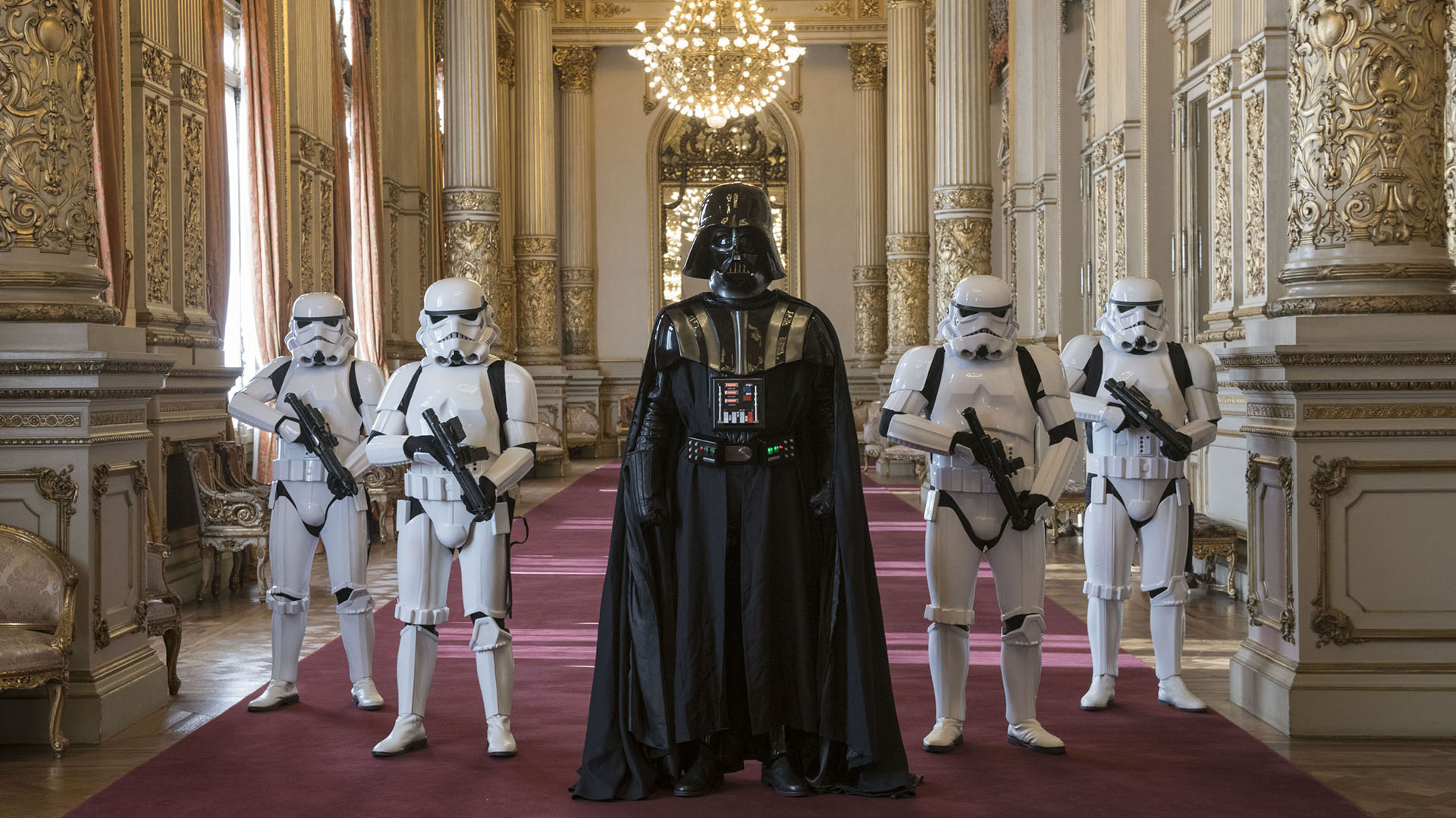 Los personajes de Star Wars en los salones del Teatro Colón /// Fotos: Gentileza Prensa Teatro Colón - Juanjo Bruzza y Máximo Parpagnoli