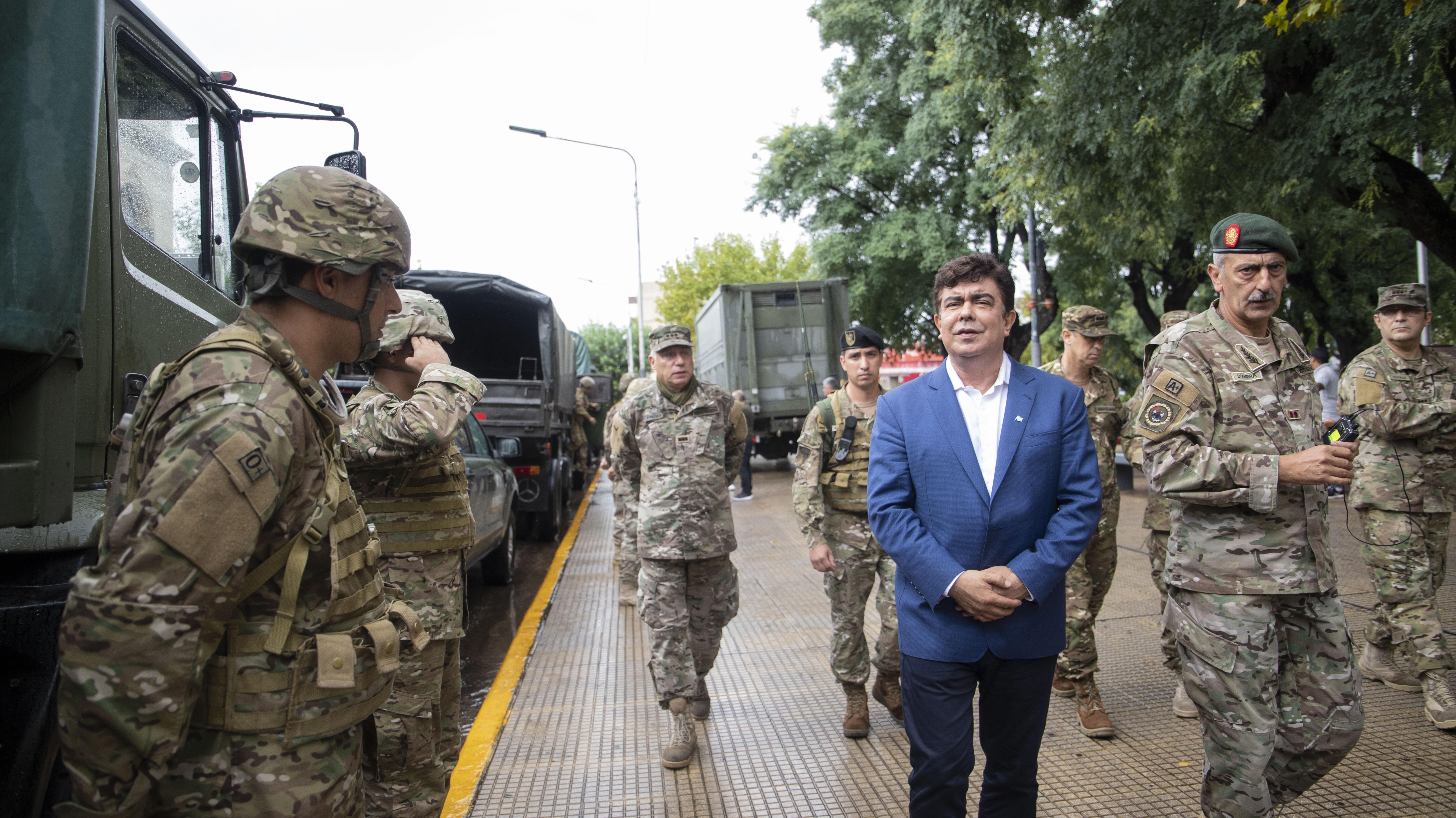 El intendente peronista Fernando Espinoza participó del operativo