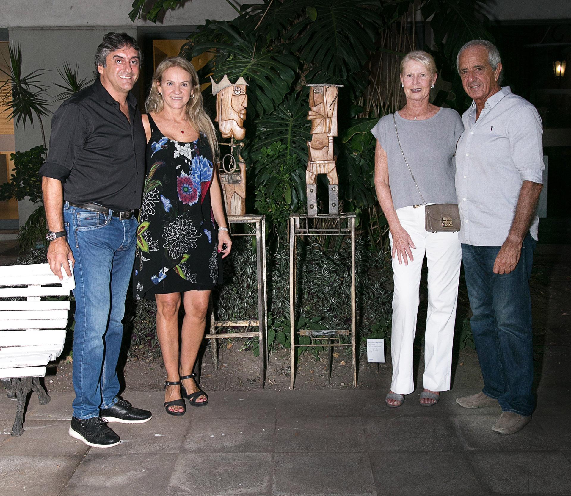 Carmela Blanco y Enzo Francescoli junto a Rodolfo D´Onofrio y su mujer Patricia