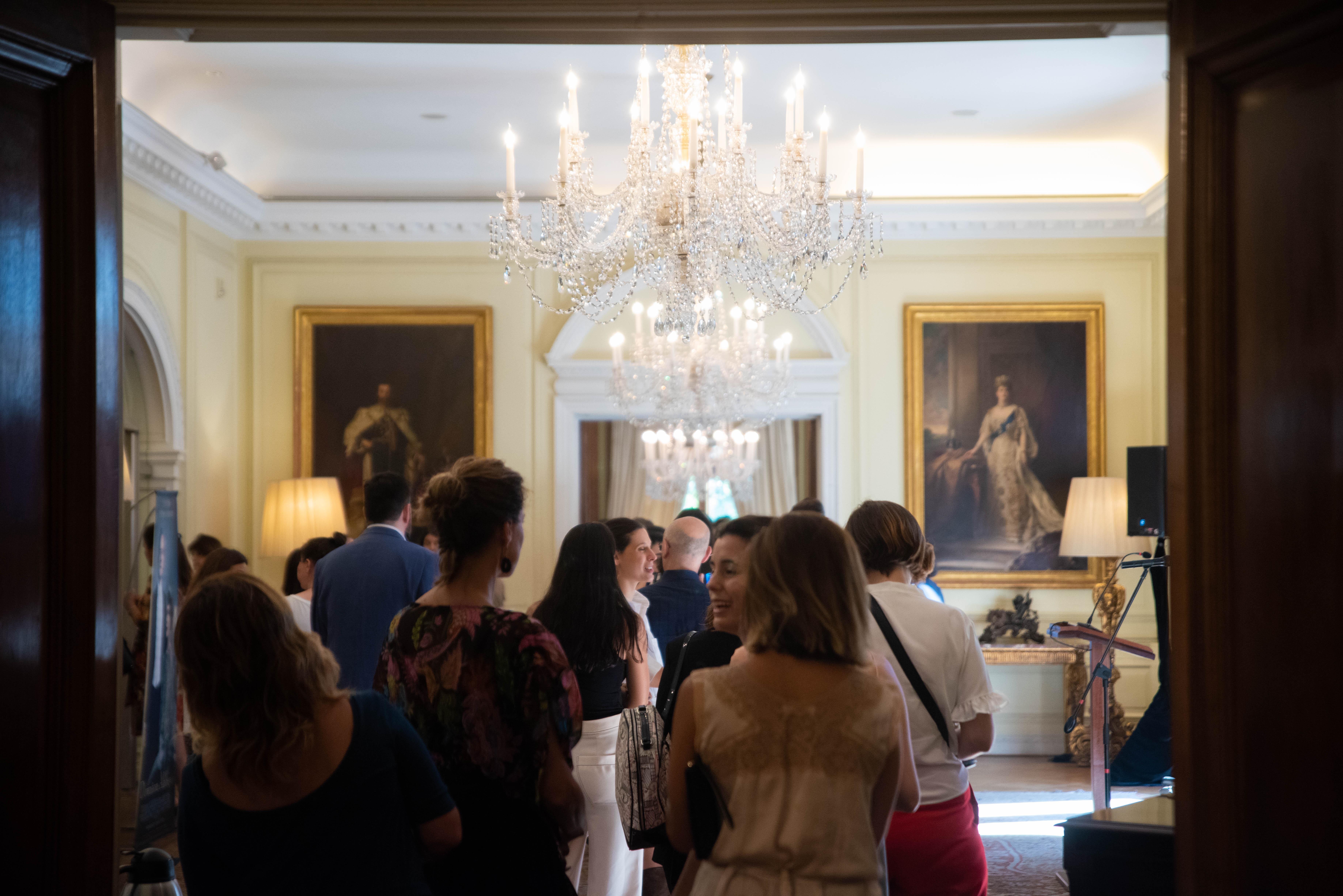 Los invitados tuvieron la oportunidad de recorrer parte de la Residencia británica, ex residencia Madero Unzué