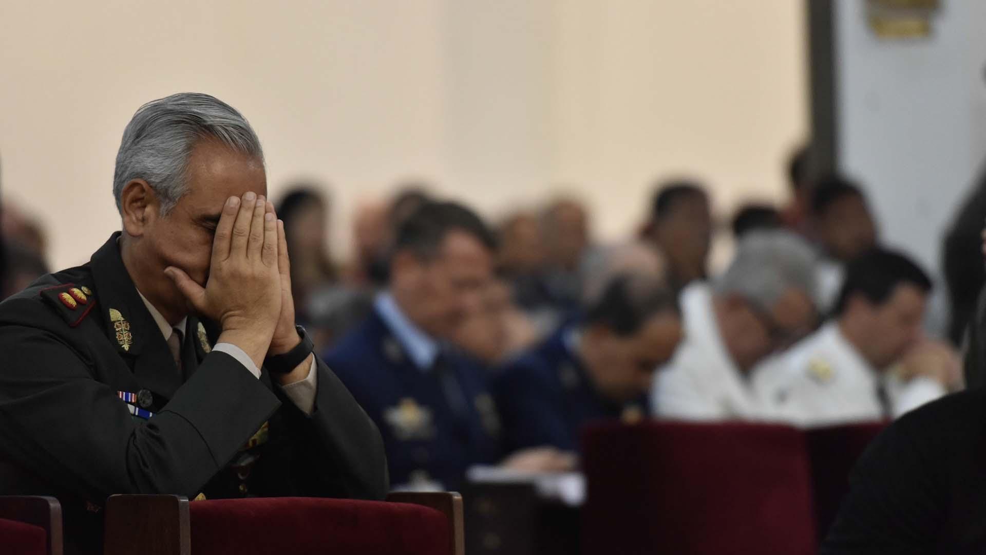 La misa estuvo cargada de emoción y de respeto a los héroes caídos en defensa de la patria