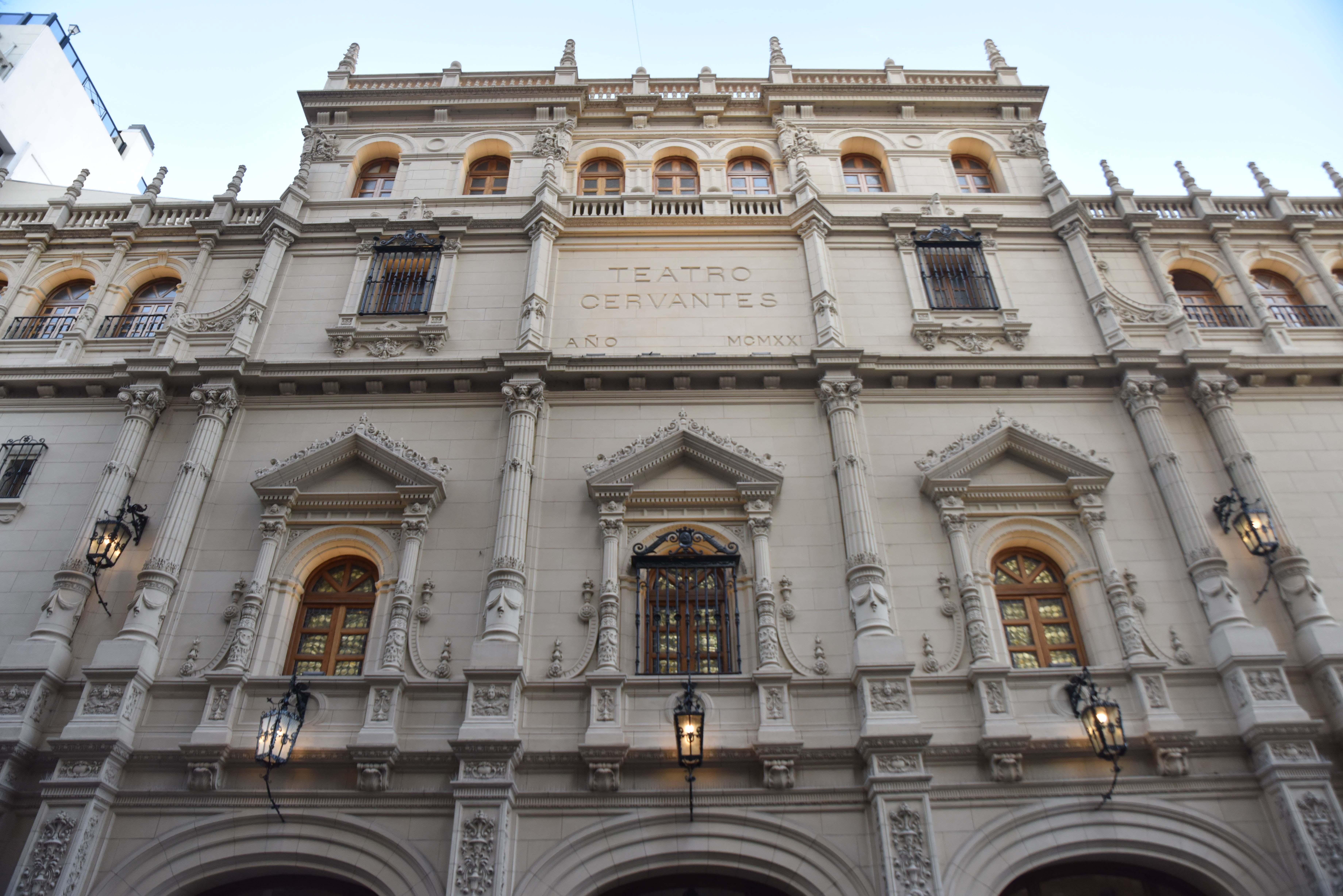 El Teatro Cervantes despidió a uno de los director más reconocidos que pasaron por la emblemática sala (Fotos: Franco Fafasuli)