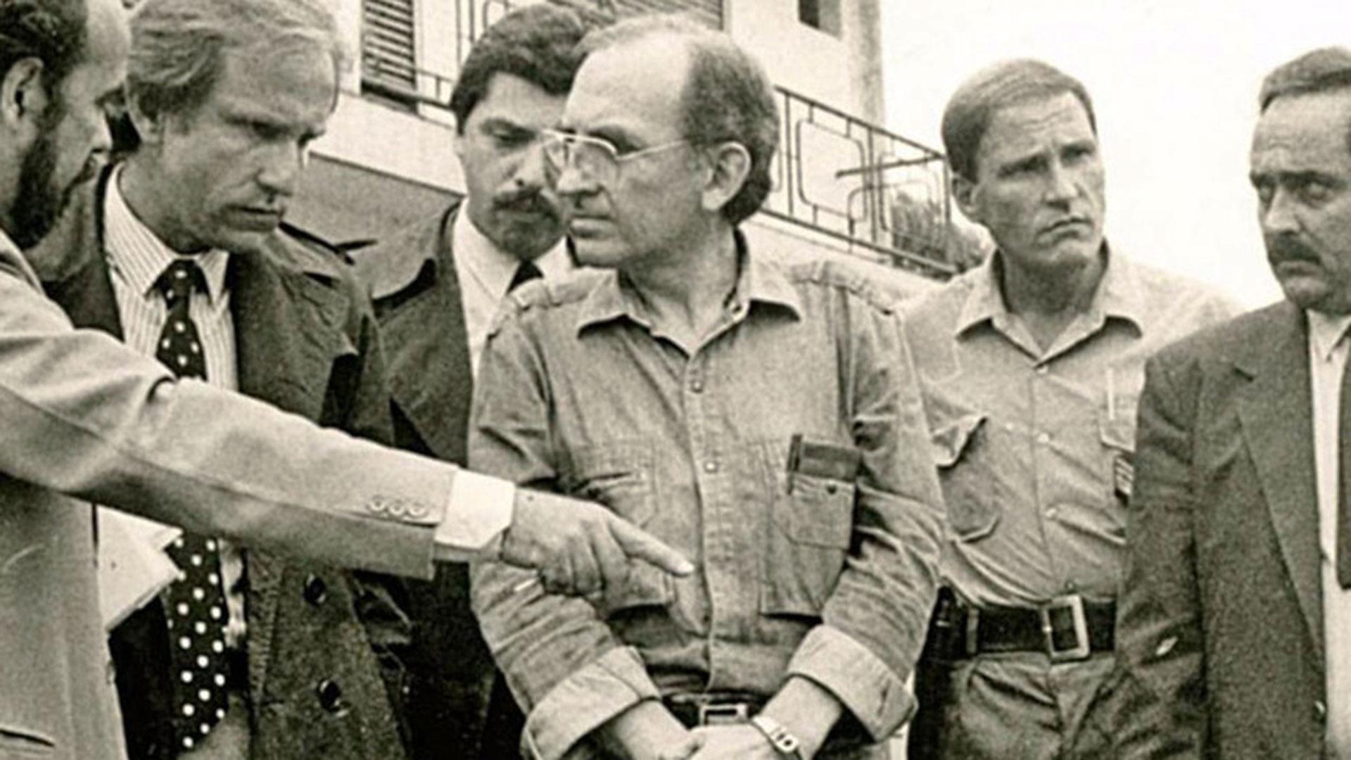 En 1988, salió sorteado como defensor oficial de uno de los integrantes de la familia Puccio, responsables del secuestro y asesinato de tres personas. Era conjuez del Juzgado Federal de San Isidro, que estaba a cargo de Alberto Piotto. Estuvo muy poco tiempo en ese rol.