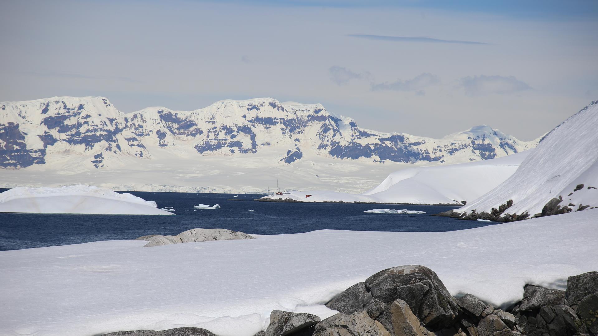 ¿Por qué es importante determinar quién descubrió la Antártida?