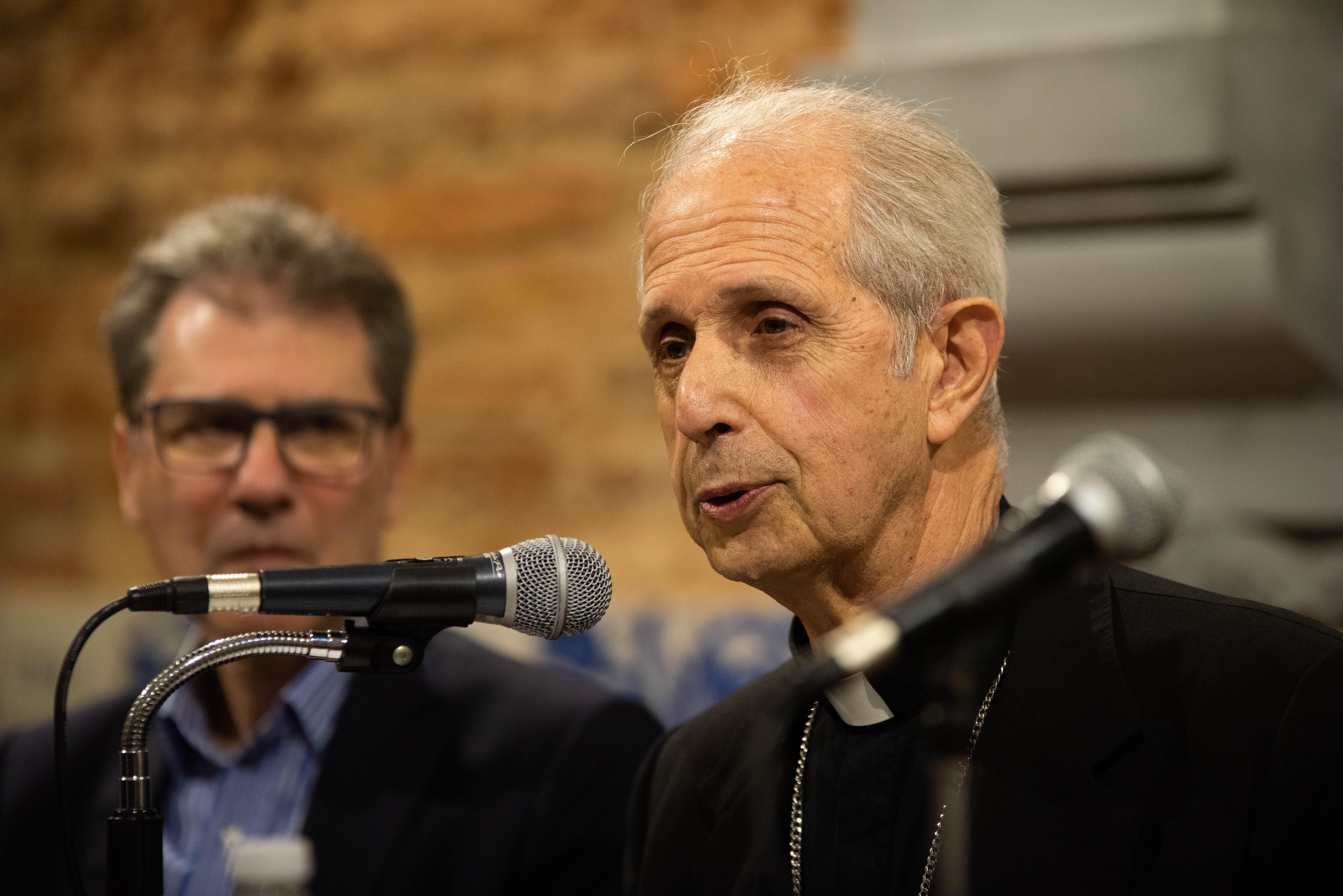 El cardenal Mario Poli indicó que se está viviendo un