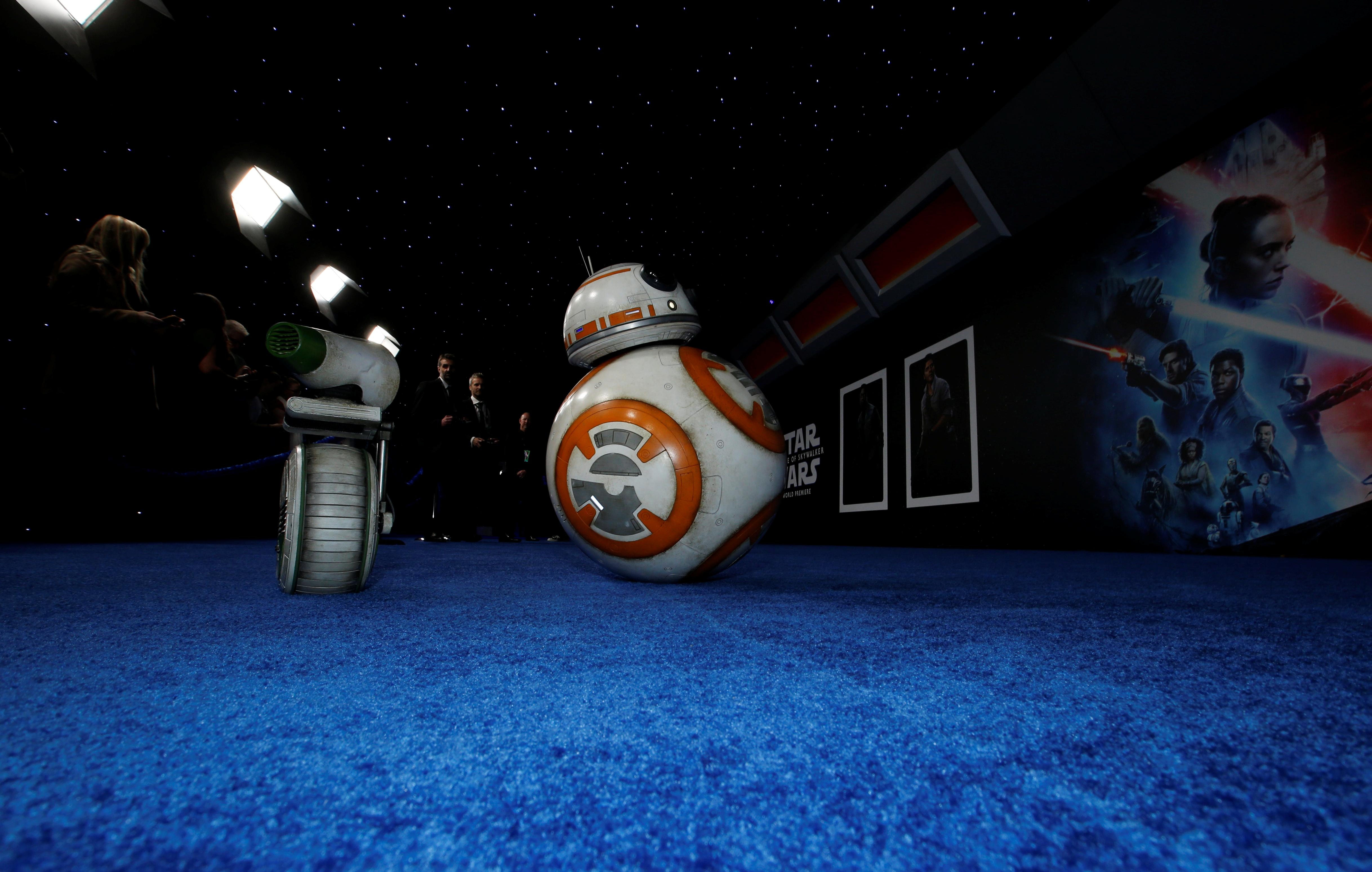 DIO y BB-8 (Foto: REUTERS/Mario Anzuoni)