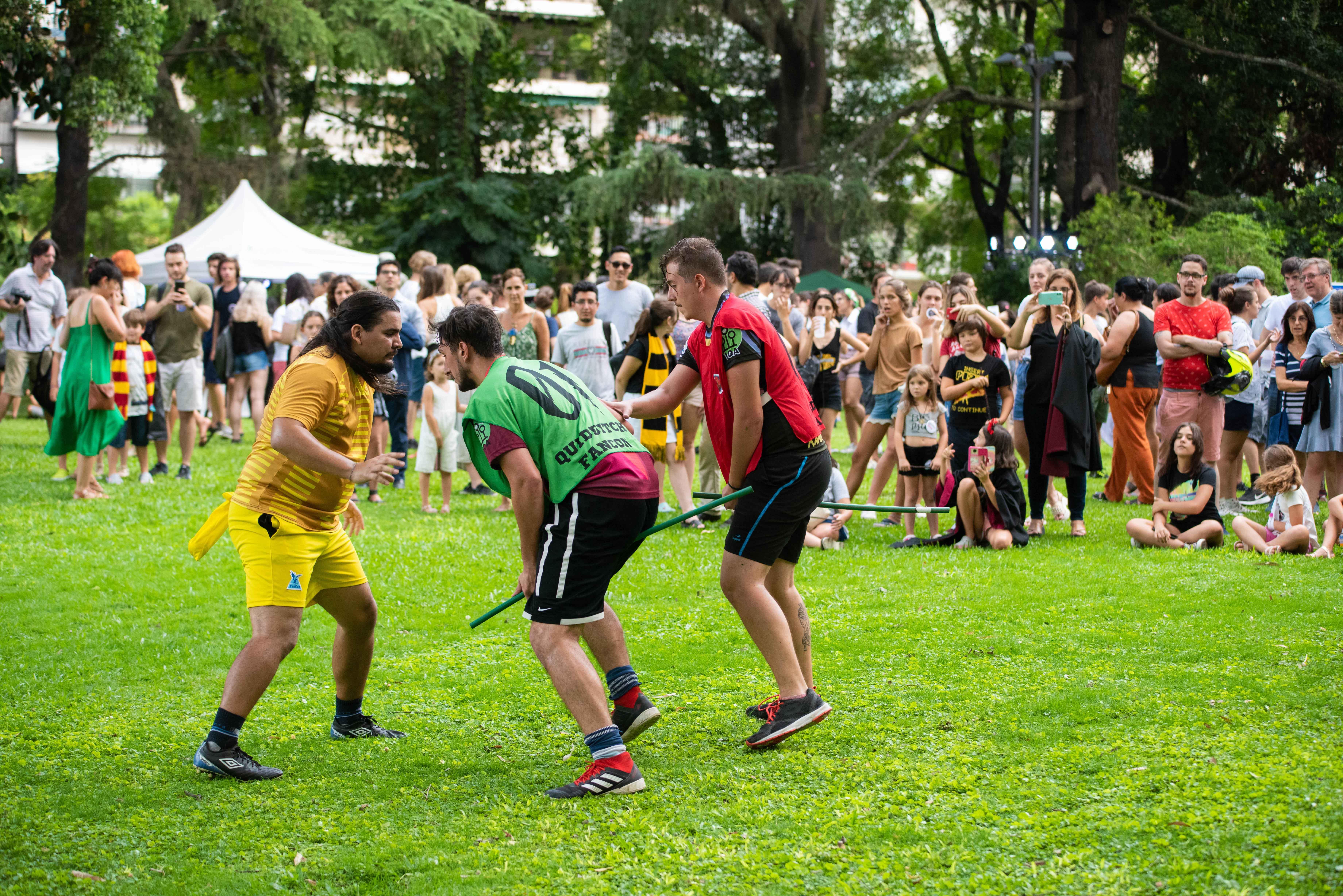 Bajo la mirada atenta del público, se llevó a cabo un partido de Quidditch