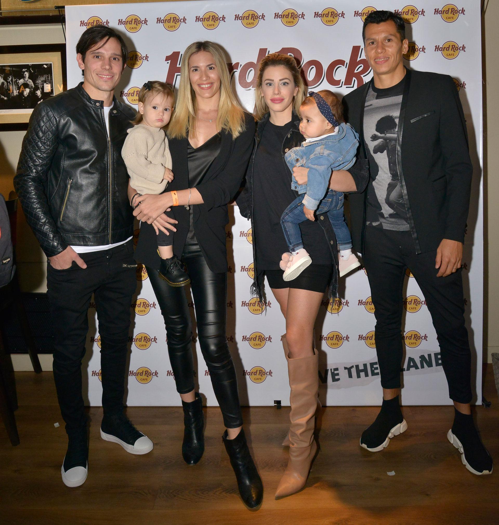 Los futbolistas Augusto Solari y Leonardo Sigali, jugadores de Racing Club, asistieron en familia