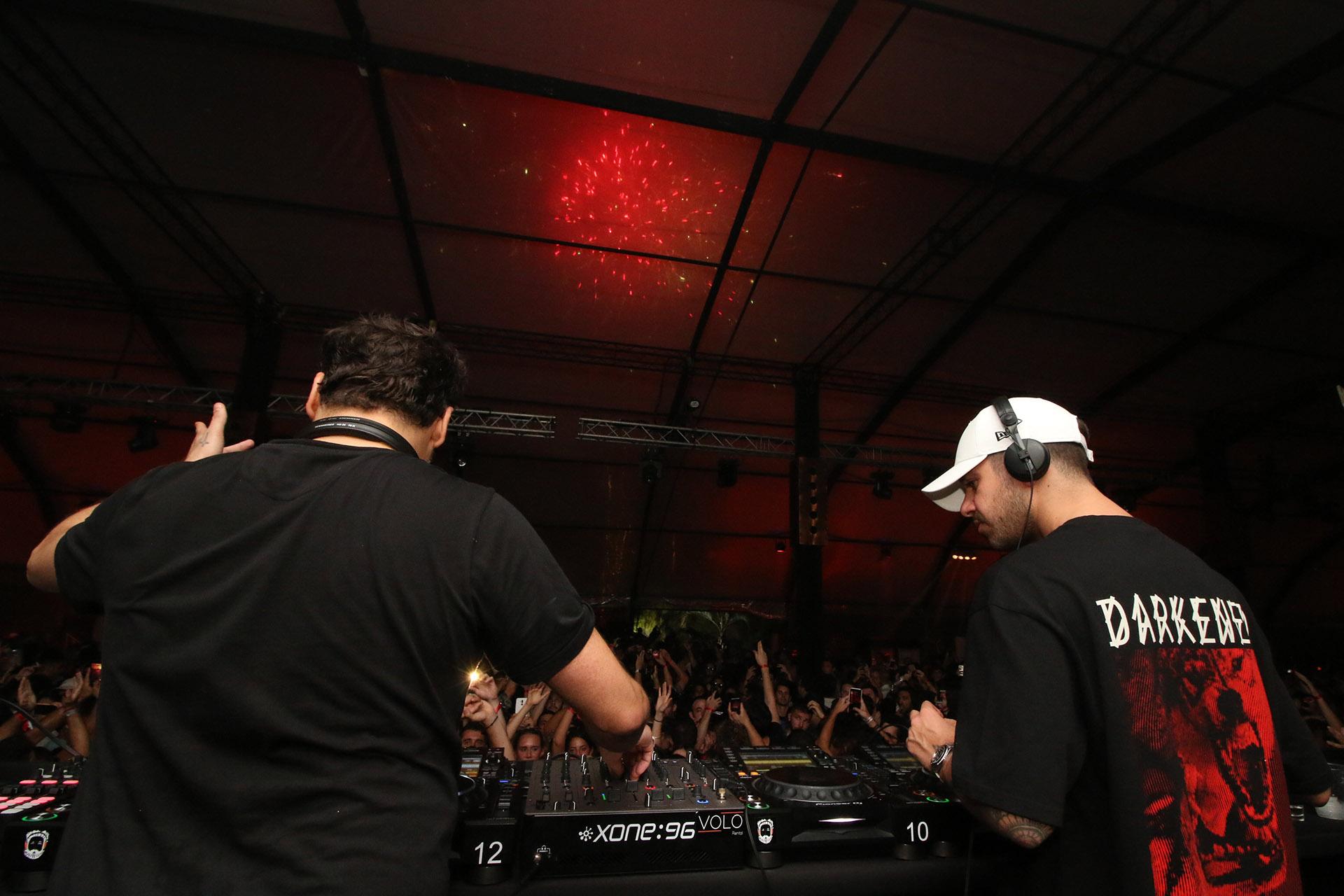 El dúo de DJ's