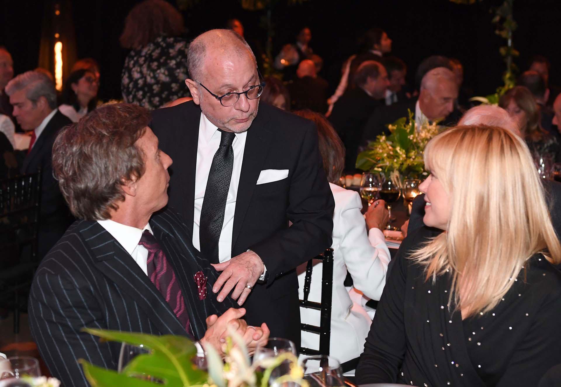 El canciller Jorge Faurie junto a Valeria Mazza y Alejandro Gravier
