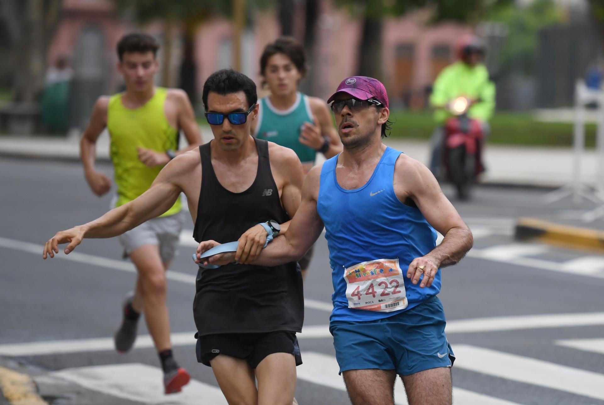 El conmovedor esfuerzos de los corredores en la mañana del 31/12 (Maximiliano Luna)
