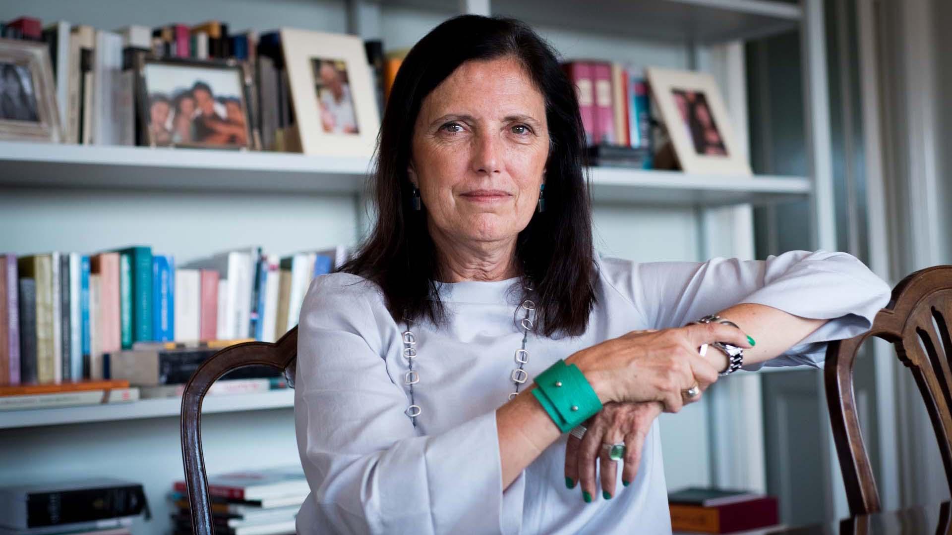 """Claudia Piñeiro: """"Parece que en todos los casos el amor romántico es la  antesala de la violencia machista y no es así"""" - Infobae"""
