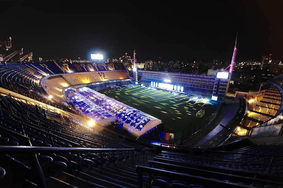 La cena se llevó a cabo en el sector L del estadio, en un sobrepiso colocado por encima de las plateas bajas (@BocaJrsOficial)