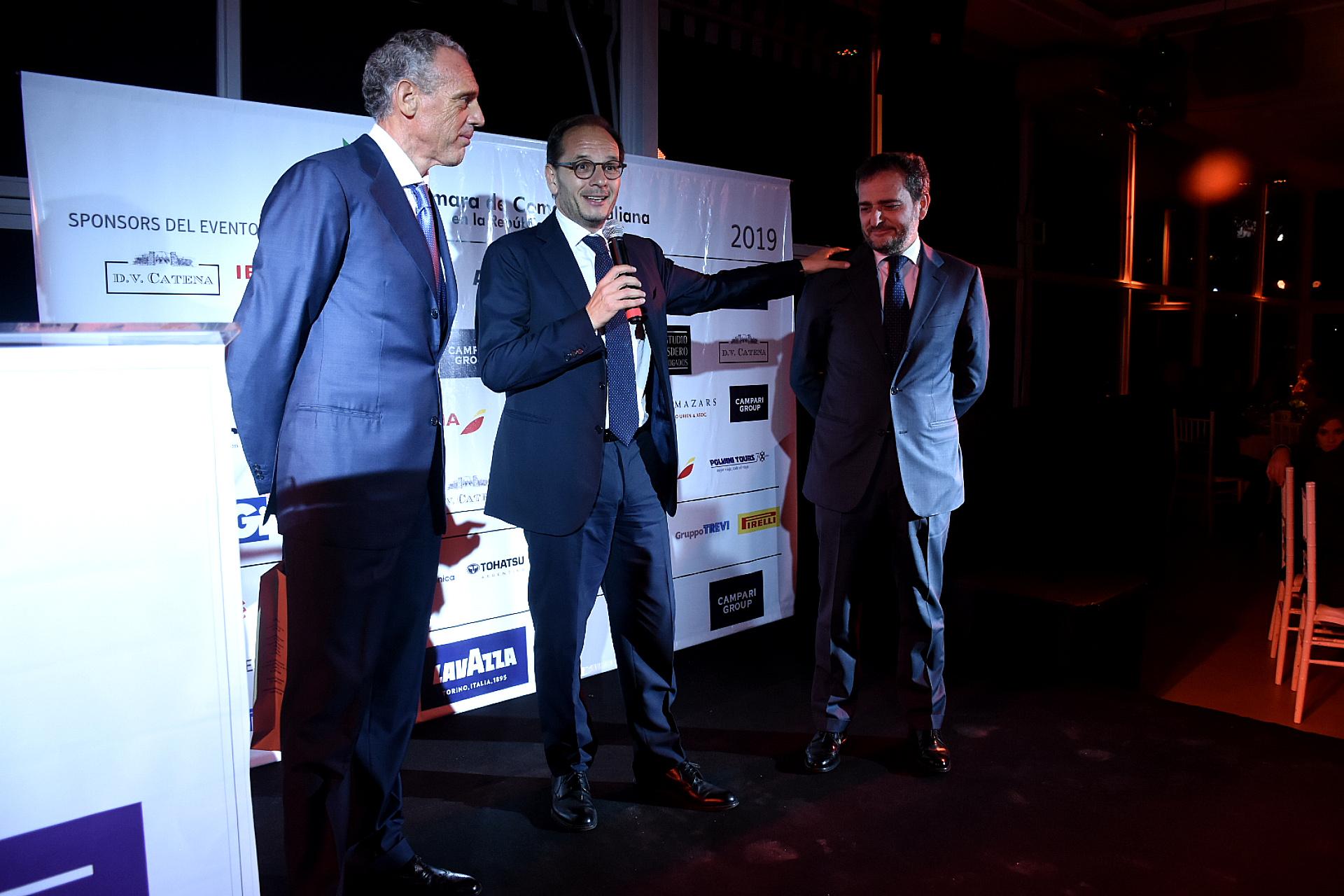 Durante la cena, también se realizó la despedida a Riccardo Smimmo, cónsul general de Italia en la Argentina