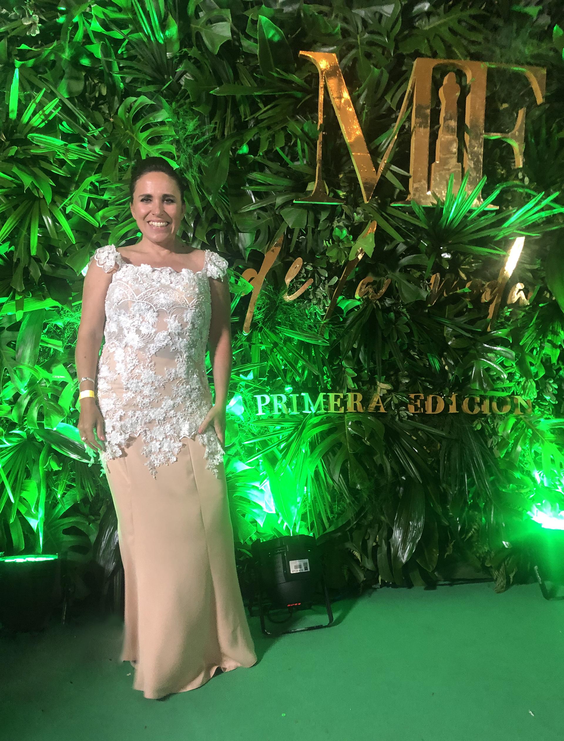 Daniela Blanco, directora de Tendencias de Infobae. Falda de seda y corset de brocato by Patricia Profumo. Make up Mabby Autino / Pelo Isaías