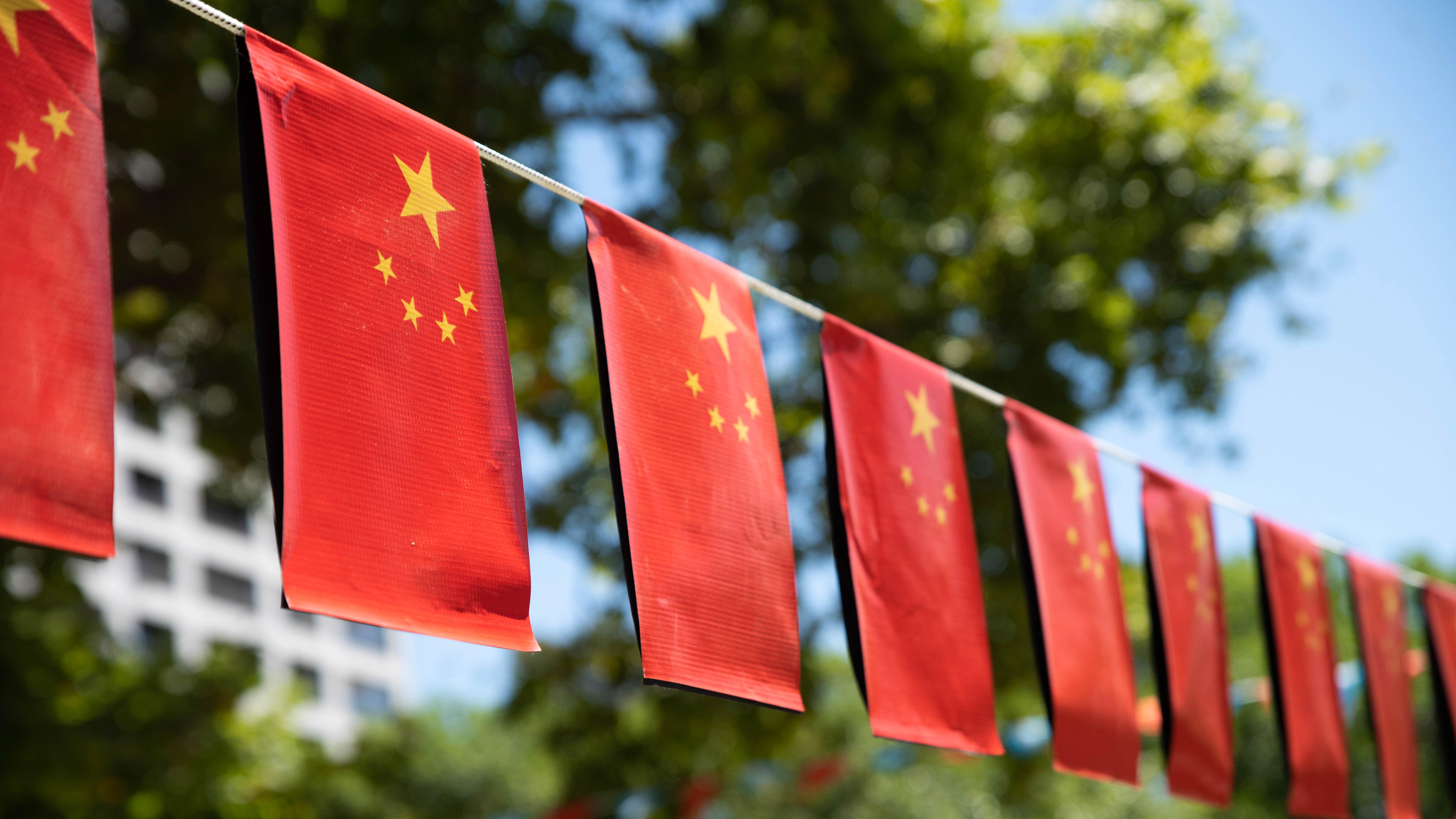La plaza también fue decorada con banderas chinas. (Fotos: Franco Fafasuli)