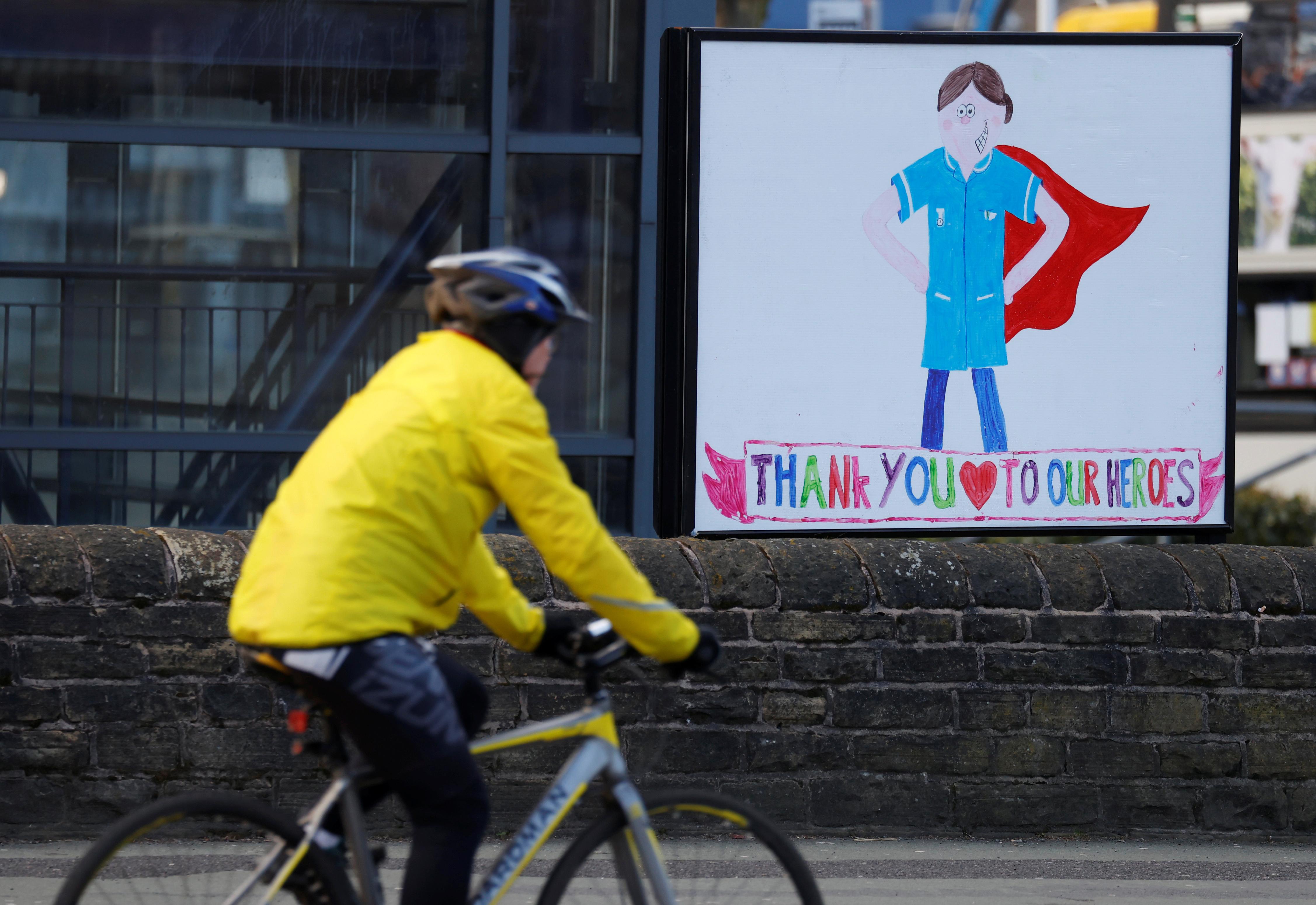 Un mensaje en Manchester, Reino Unido. (REUTERS/Phil Noble)