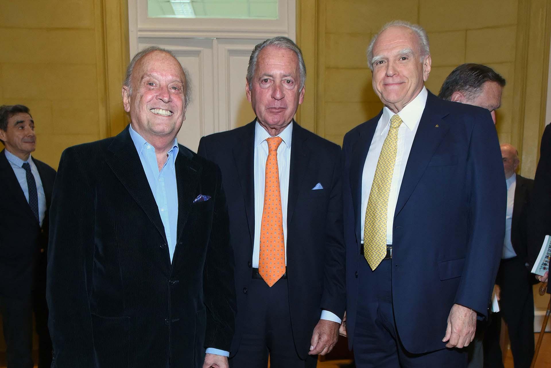 Héctor Cavallero, director de la Fundación UADE; Daniel Funes de Rioja y Sebastián Bagó