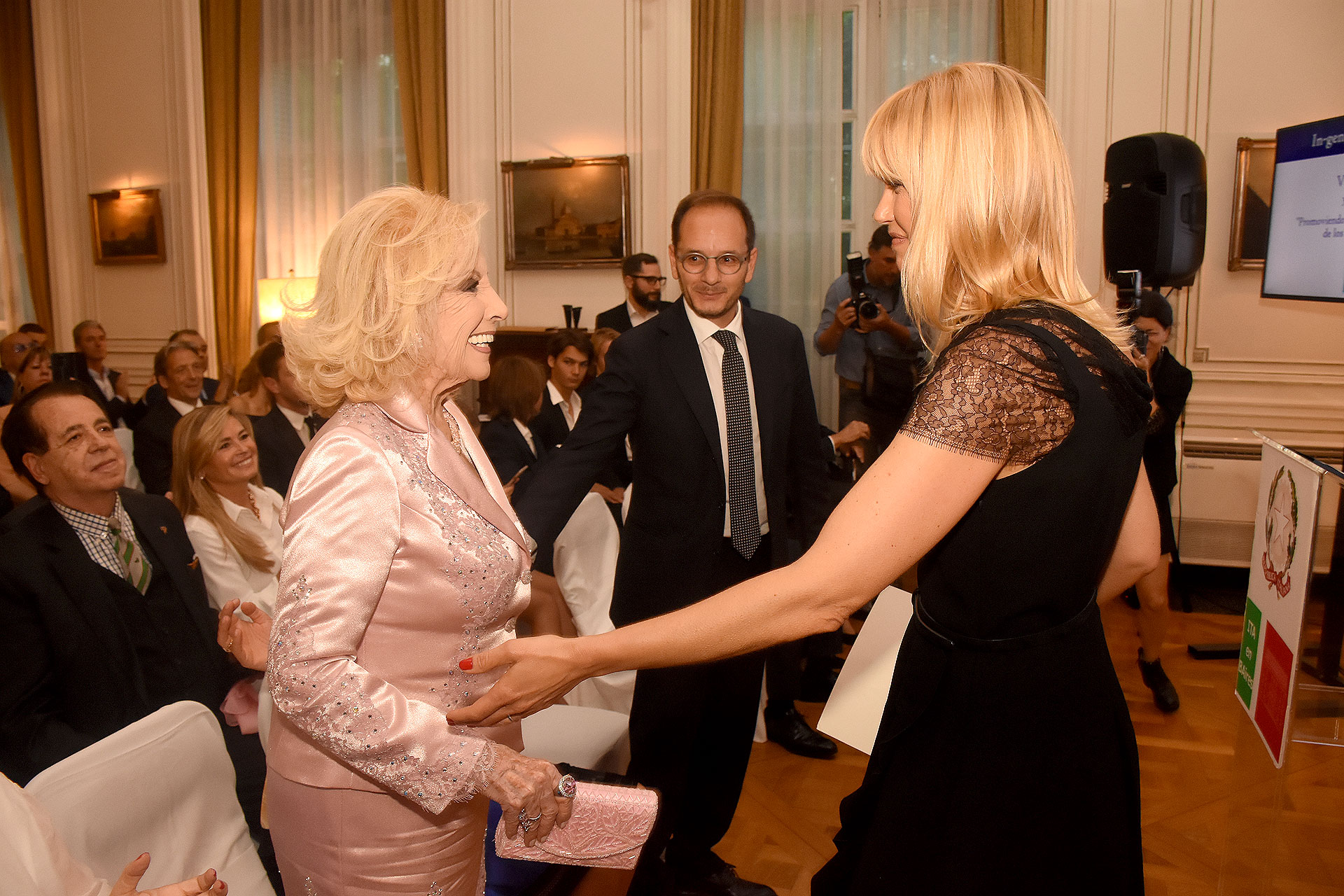 Valeria Mazza y Mirtha Legrand
