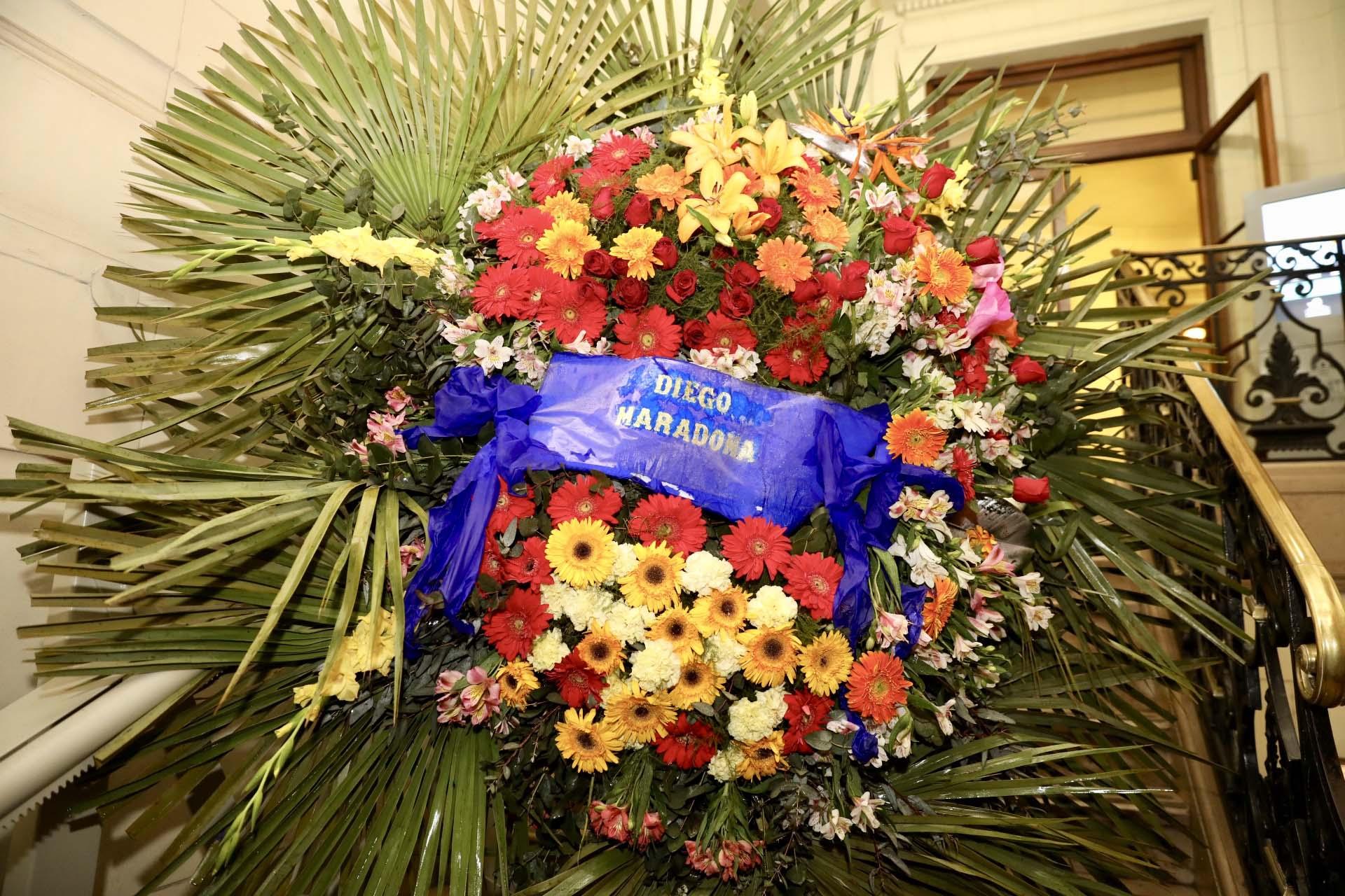 La ofrenda floral enviada por Diego Maradona