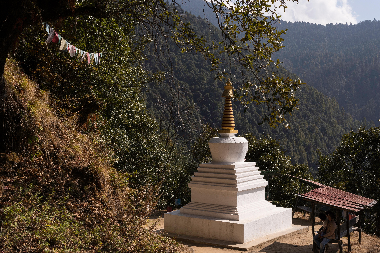 Como país en donde se practica el budismo, son numerosas la cantidad de estupas que se pueden ver al recorrerlo
