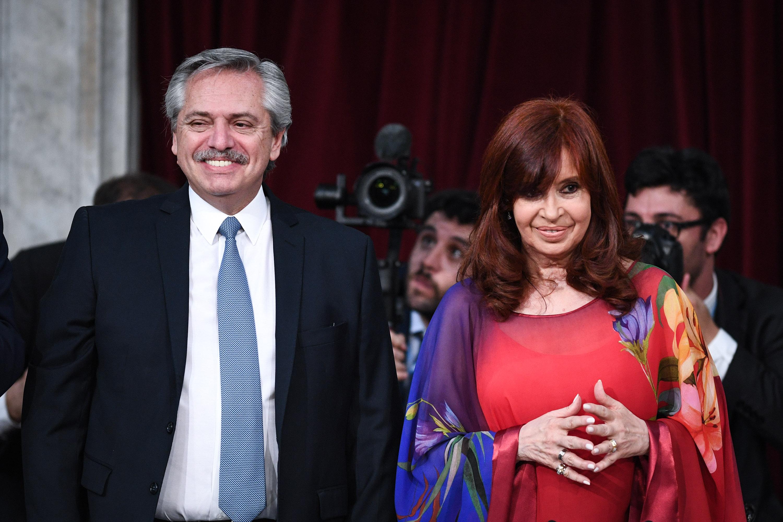A las 11:58 empezó la cadena nacional que transmite el discurso del presidente. Al minuto siguiente, Alberto Fernández ingresó a la Cámara de Diputados. A las 12:01 comenzó el discurso