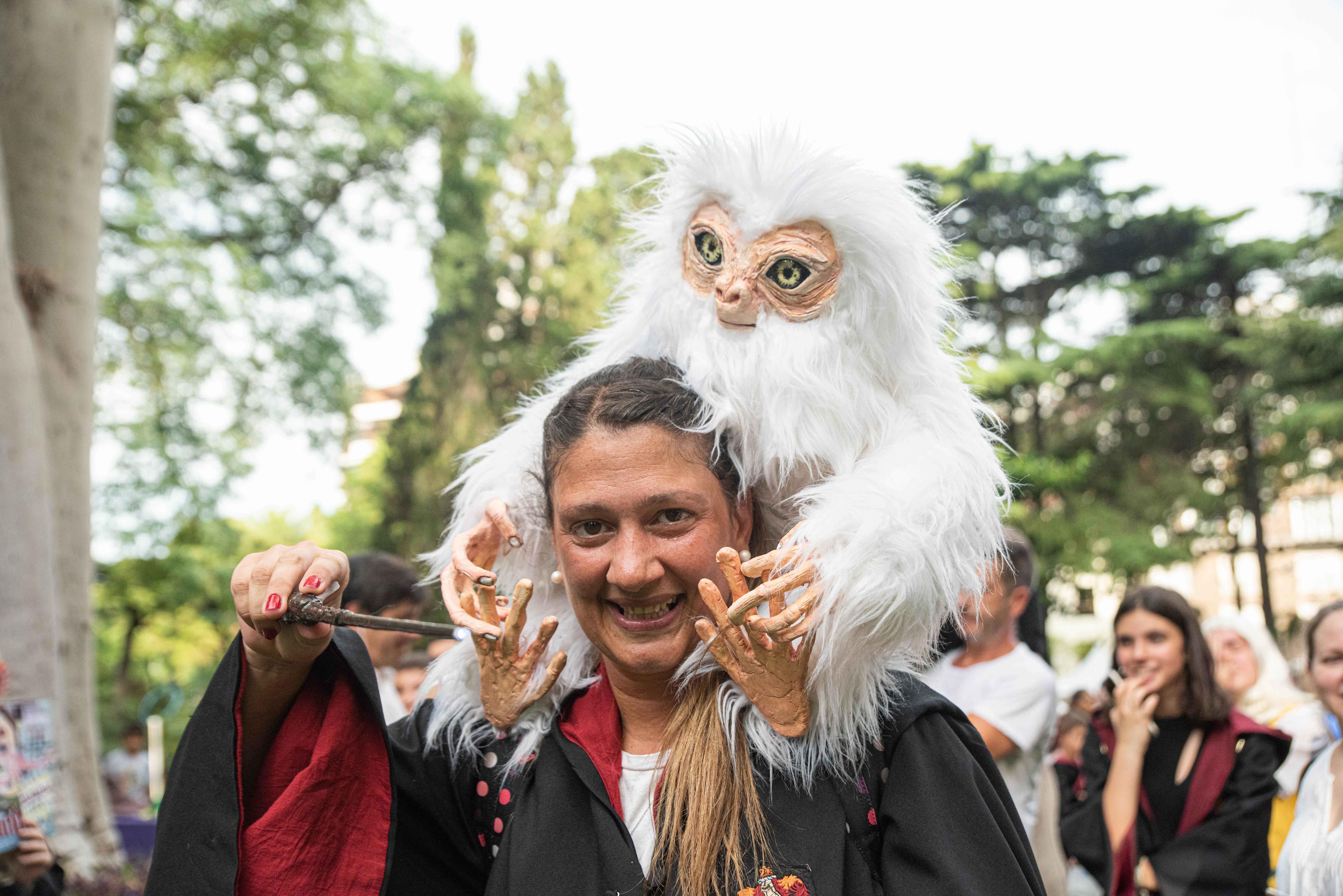 Además de la saga de Harry Potter muchos fanáticos eligieron también ir disfrazados como personajes de la nueva saga de JK Rowling: