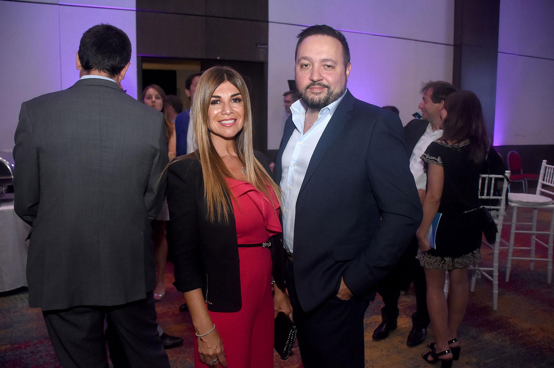 Lina Anllo, presidente del capítulo argentino de la World Compliance Association, y su marido Diego Cani