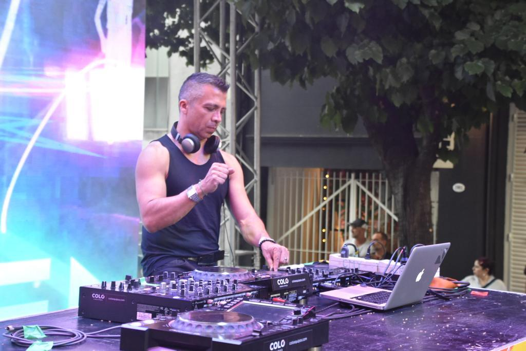 Varios DJ's participaron del cierre